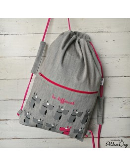 'Be different' gymbag