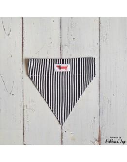 fekete-fehér csíkos nyakörves kendő